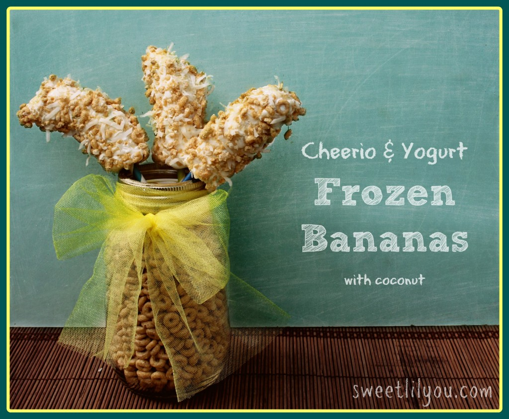 Back to school recipes - Cheerio and yogurt frozen bananas with coconut #PriceChopperB2S