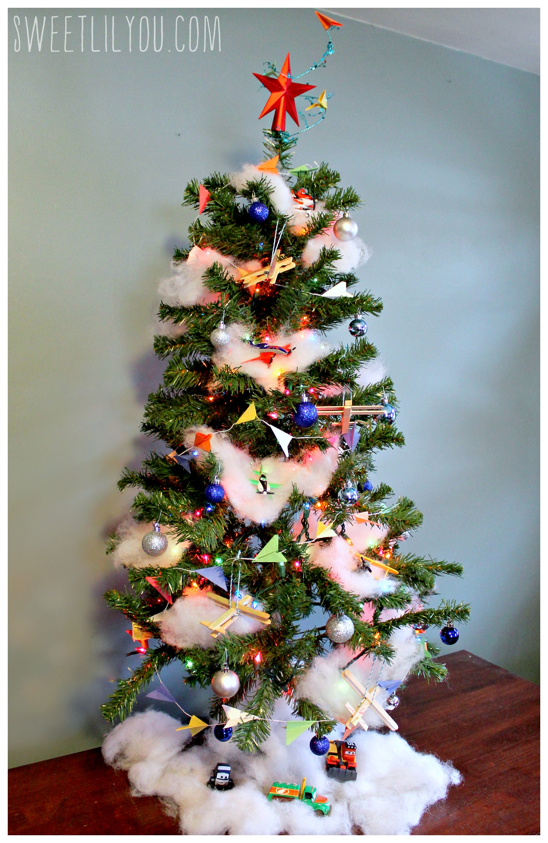Www Christmas Gift Ideas: Disney Planes Themed Christmas Tree! #PlanesToTheRescue